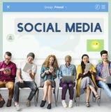 Conceito conectado dos meios estada social fotografia de stock