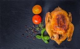 Conceito da ação de graças com Turquia roasted, tomate, pimentas secas, r Fotografia de Stock Royalty Free
