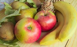 Conceito da ação de graças e do outono com frutos sazonais Foto de Stock Royalty Free