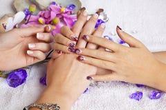 Conceito da beleza - unhas acrílicas Imagens de Stock Royalty Free