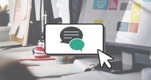 Conceito da bolha do discurso dos trabalhos em rede de uma comunicação da mensagem Fotos de Stock