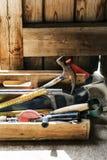 Conceito da carpintaria de Craftman Lumber Timber do carpinteiro imagem de stock royalty free