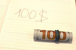 Conceito da corrupção Os anti conceitos da corrupção e da corrupção, dinheiro ofereceram no arquivo, dando imagens de stock royalty free