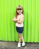 Conceito da criança da forma - criança à moda da menina fotografia de stock royalty free