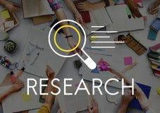 Conceito da descoberta do conhecimento dos resultados de pesquisa imagens de stock royalty free