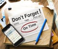 Conceito da eficiência da lista de Plan To Do do organizador da lista de verificação do conselho fotografia de stock royalty free