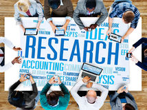 Conceito da exploração das soluções da informação dos fatos dos dados da pesquisa Foto de Stock Royalty Free
