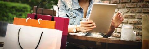 Conceito da felicidade do cliente do comércio da compra de compra Imagens de Stock