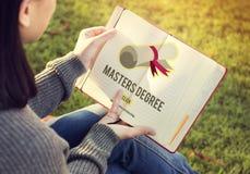 Conceito da graduação da educação do conhecimento do grau de mestre fotografia de stock