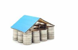 Conceito da hipoteca da casa das moedas Imagem de Stock
