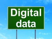 Conceito da informação: Dados de Digitas no fundo do sinal de estrada Fotos de Stock Royalty Free