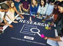 Conceito da investigação da descoberta da análise da pesquisa fotografia de stock royalty free