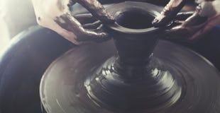 Conceito da lama de Person Creation Pottery Handcraft Art Foto de Stock