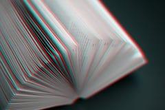 Conceito da leitura e da educação Folhas do livro completamente dos mistérios, das histórias e dos lotes - imagem com efeito do p imagens de stock