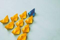 Conceito da liderança com barcos de papel Fotos de Stock Royalty Free