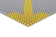 Conceito da liderança Fileiras de esferas de Chrome com seta dourada Sph Foto de Stock