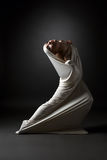 Conceito da loucura Menina emocional na pose estranha Foto de Stock Royalty Free