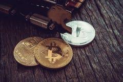 Conceito da mineração de Cryptocurrency com bitcoin Fotos de Stock Royalty Free