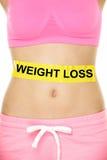 Conceito da perda de peso - corpo inferior da cintura da mulher fotos de stock royalty free