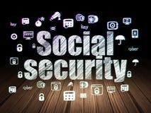 Conceito da proteção: Segurança social na sala escura do grunge imagem de stock