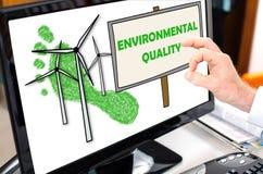 Conceito da qualidade ambiental em um monitor do computador fotografia de stock