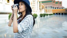 Conceito da recreação do passatempo de Travel Sightseeing Wander do fotógrafo Imagem de Stock Royalty Free