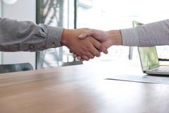 Conceito da reunião e do cumprimento, aperto de mão seguro a do negócio dois Fotografia de Stock