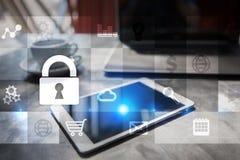 Conceito da segurança da proteção de dados e do cyber na tela virtual Foto de Stock Royalty Free