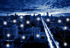 Conceito da tecnologia da rede e da conexão de Sathorn no nascer do sol, fotografia de stock royalty free