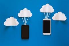 Conceito da tecnologia de conexão de rede e de armazenamento da nuvem Comunicações de dados e conceito da rede de computação da n imagem de stock
