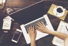 Conceito da tecnologia do Internet de uma comunicação empresarial Fotografia de Stock Royalty Free