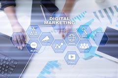 Conceito da tecnologia do mercado de Digitas Internet On-line Otimização do Search Engine SEO SMM anunciar ilustração royalty free