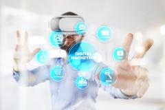 Conceito da tecnologia do mercado de Digitas Internet On-line Otimização do Search Engine SEO SMM anunciar foto de stock royalty free
