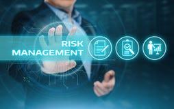 Conceito da tecnologia do negócio do Internet do investimento da finança do plano da estratégia de gestão de riscos Fotografia de Stock Royalty Free