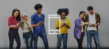 Conceito da tecnologia sem fios da mobilidade do telefone celular foto de stock royalty free