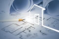 Conceito da tração da casa ideal pelo desenhista com drawin da construção foto de stock royalty free
