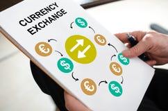 Conceito da troca de moeda em um papel fotos de stock royalty free