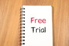 Conceito da versão de avaliação gratuita no caderno Fotografia de Stock Royalty Free