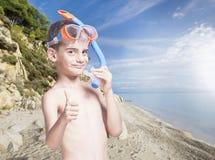 Conceito das horas de verão com o mergulhador pequeno bonito fotos de stock royalty free