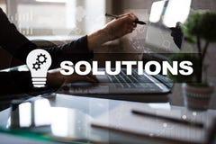 Conceito das soluções do negócio na tela virtual Fotos de Stock Royalty Free