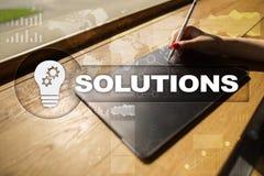 Conceito das soluções do negócio na tela virtual Foto de Stock