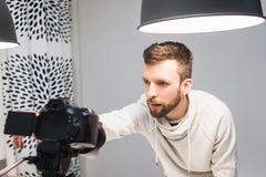Conceito de bastidores do processo video da criação imagens de stock royalty free