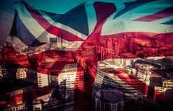 Conceito de Brexit - bandeira de Union Jack e marcos BRITÂNICOS icônicos imagens de stock royalty free