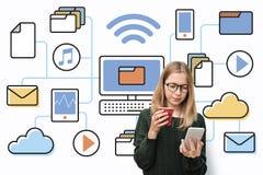 Conceito de computação da conexão dos dados eletrônicos de Digitas Fotografia de Stock Royalty Free