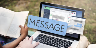 Conceito de conversa de Digitas do email em linha da mensagem Fotografia de Stock Royalty Free