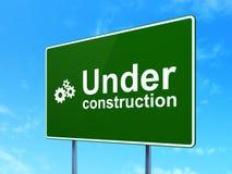 Conceito de design web: Sob a construção e as engrenagens Fotos de Stock