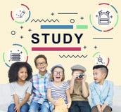 Conceito de educação da universidade do estudo do treinamento de Litreacy foto de stock