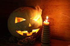 Conceito de Halloween O sorriso da abóbora Imagens de Stock