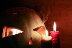 Conceito de Halloween O sorriso da abóbora Fotografia de Stock