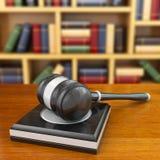 Conceito de justiça. Martelo e livros de lei. Imagens de Stock Royalty Free